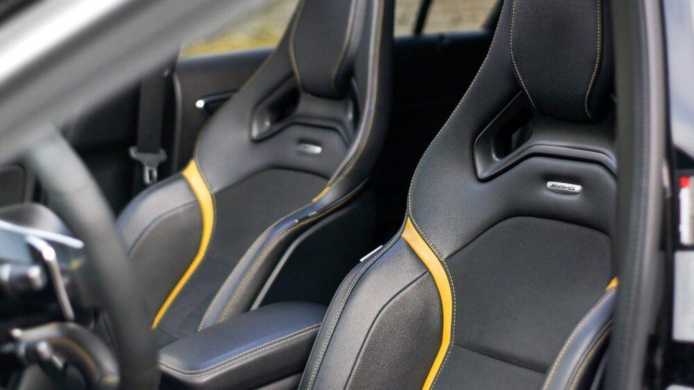 fotele Mercedes A45 AMG