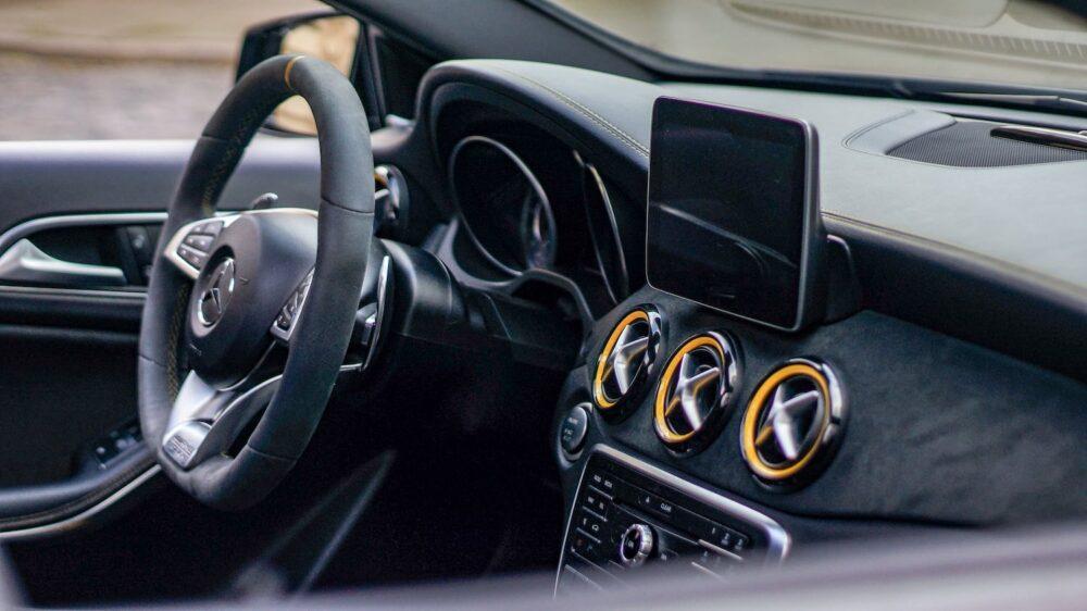 wnętrze Mercedes A45 AMG